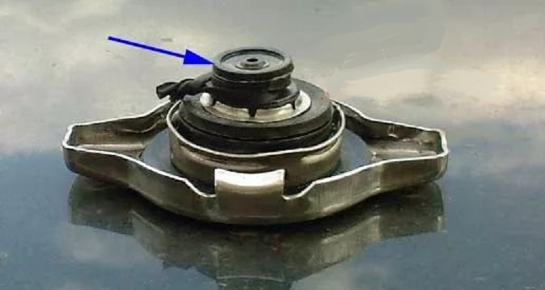 Атмосферный клапан крышки радиатора