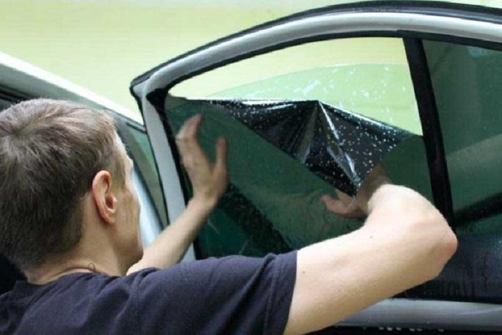 Переносим пленку на боковое стекло