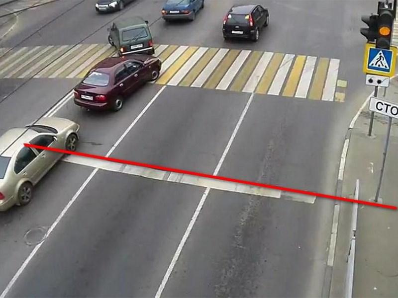 Стоп-линия перед светофором